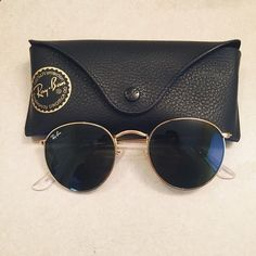 2604013caeec round gold metal Ray Bans Authentic Round gold metal Ray Ban sunglasses. In  perfect condition