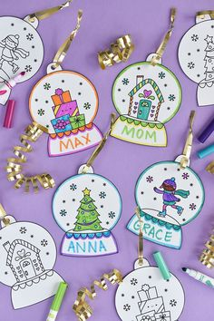 icu ~ Printable Snow Globe Gift Tags - Kerst knutselen, Kinderen kerstmis knutselen en Kinderen kerstmis ~ Decorate your presents and the tree with snow globe ornament gift tags! Preschool Christmas, Noel Christmas, Christmas Crafts For Kids, Christmas Activities, Christmas Colors, Holiday Crafts, Christmas Cards, Christmas Wrapping, Christmas Printables