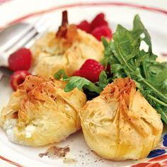 Gebackener Ziegenkäse zu einem grünen Salat kann man überall in Frankreich genießen. Die Variante mit Filoteig dagegen ist feinste Kochkunst und durch...