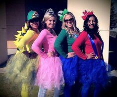 23 Super Mario and Luigi Costumes - The Super Mario gang sporting cute tutus! 4 People Halloween Costumes, Cute Costumes, Girl Costumes, Costume Ideas, Halloween 2015, Group Costumes, Super Mario Kostüm, Mario Bros., Mario Party