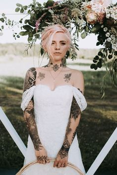 House of Ollichon loves.Brides with tattoos! Free-Spirited Outdoor Wedding Style in Quebec. House of Ollichon loves.Brides with tattoos! Free-Spirited Outdoor Wedding Style in Quebec. Punk Rock Wedding, Bridal Gowns, Wedding Gowns, Wedding Attire, Wedding Tattoos, Tattooed Wedding, Tattoo Bride, Brides With Tattoos, Alternative Bride