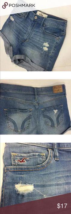 "Hollister Distressed JeanShorts Size 9 W29 Hollister Distressed Daisy Duke Blue Jean Denim Casual Shorts Women's Size 9 W29 Length 11 1/2"" Hollister Shorts Jean Shorts"