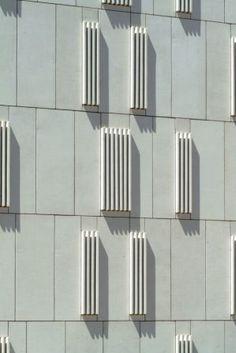 Edificio de hormig n arquitect nico prefabricado en color - Fachada hormigon in situ ...