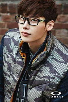 LeeJongSuk #Oakley ↖(^▽^)↗
