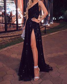 Stunning Prom Dresses, Black Prom Dresses, Beautiful Prom Dresses, Elegant Dresses, Formal Dresses, Black Evening Dresses, Sparkly Black Prom Dress, Evening Gowns, Glitter Prom Dresses