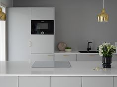 Projektila gray kitchen Kitchen Rules, Nordic Style, Kitchen Styling, Kitchen Dining, Sweet Home, Milano, Interior, Gray, Blog