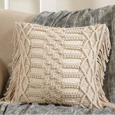 hippie bedroom decor 48061921077448435 - Bungalow Rose Plainfield Macrama Cotton Throw Pillow Color: Ivory Source by wayfair Macrame Art, Macrame Design, Macrame Projects, Plain Cushions, Diy Furniture Couch, Furniture Design, Reading Pillow, Geometric Throws, Support Pillows