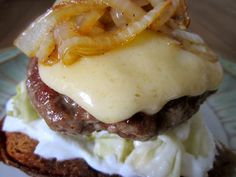 Warm and welcoming burger inspired by the traditional cuisine of Iceland! Great for a cold winter night. Burger Recipes, Lunch Recipes, Burger Food, Homemade Sauerkraut, Oven Vegetables, Healthy Sauces, Great Appetizers, Winter Night, Fermented Foods