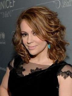 Alyssa Milano attends the 2014 UNICEF Ball presented by Baccarat at the Beverly . Alyssa Milano at Hair Styles 2014, Short Hair Styles, Alyssa Milano Hair, Alicia Milano, New York City, Brooklyn, She Is Gorgeous, Beautiful, The Beverly