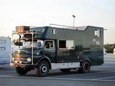 Mercedes Camper, Bus Camper, Vw Bus, Mercedes Benz Trucks, Off Road Camper, Cuisinières Vintage, Vintage Cars, Carl Benz, Cadillac