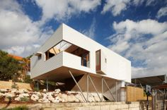 Suburban Beach House / David Barr + Ross Brewin