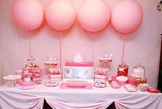 Love the big pink balloons! But with navy blue striped table cloth