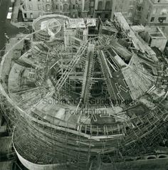 Guggenheim Museum - New York - construction of - 1937 - Frank Lloyd Wright architect