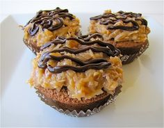 German chocolate cupcakes for those who do not like an overdose of chocolate. yeah, I know. almost impossible.