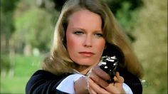 Shelley Hack on Charlie's Angels 76-81 - http://ift.tt/2rV6eXJ