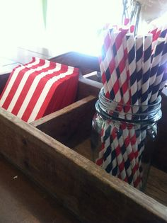 Fourth of July decor// party supplies Striped straws #julyfourth