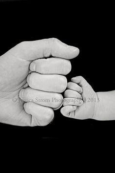 Father son newborn photography by Jessica Strom, www.jessicastrom.net