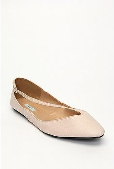 I love fun flats. I walk a lot at work, so a flat shoe is great for comfort, but it's gotta have style!