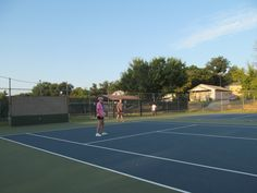 Tennis with the Queens