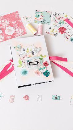 Mini Album Scrapbook, Scrapbook Cover, Baby Scrapbook Pages, Scrapbook Journal, Disney Scrapbook, Scrapbook Paper Crafts, Mini Albums, Diy Mini Album, Box Cards Tutorial