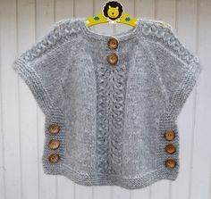 TC Hatice Karel [ knit sweater tunic poncho with side buttons kids sweater, Idea for poncho like top, j aimerais avoir les explications sv p merci, havenBirinci [ Wish I could find the pattern for this adorable little top. Baby Knitting Patterns, Knitting For Kids, Hand Knitting, Knitting Projects, Poncho Patterns, Crochet Edgings, Cardigan Pattern, Crochet Motif