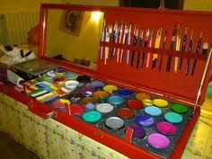 Face painters kit Face painter's set up #facepaint #facepainting #facepaintschool