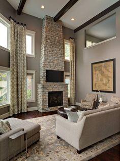 taupe wandfarbe und kamin steinverkleidung im wohnzimmer - Taupe Wohnzimmer