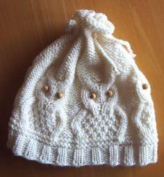 Ullis Bastelwerkstatt: Eulenmütze Source by rerulosch Owl Knitting Pattern, Knitting Socks, Knitting Stitches, Knitting Patterns Free, Knit Patterns, Free Knitting, Free Pattern, Knitted Owl, Knitted Hats