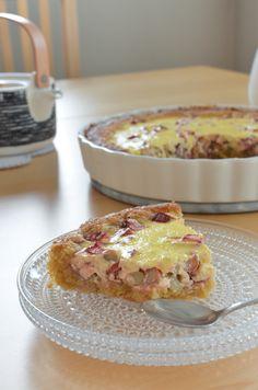 Scandi Home: Juhannuksen raparperipiirakka - Midsummer's Rhubarb Tart