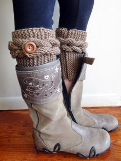 Knitted Cable Boot Cuffs. Braids with Buttons. 20 Different colors. Leg Warmers. Boot Toppers. Fashion Accessory for Women and Teens. knit boot cuffs boot toppers leg warmers woman teen accessory vivid bear rusteam winter accessory warm cuffs boot socks brown 24.90 USD #goriani