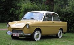 The DAF 600 in the face if it looks like most small European cars built in the late this one though has a trick up its sleave, one. Volvo, Automobile, Good Old Times, Car Posters, Small Cars, Vintage Trucks, Car Car, Old Cars, Car Pictures
