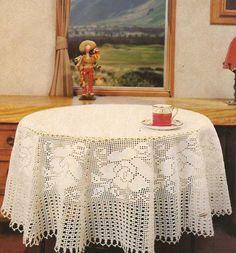 Home Decor Crochet Patterns Part 149 - Beautiful Crochet Patterns and Knitting Patterns Crochet Tablecloth Pattern, Crochet Bedspread, Crochet Doilies, Filet Crochet Charts, Crochet Borders, Easy Crochet Patterns, Mantel Redondo A Crochet, Oval Tablecloth, Fillet Crochet