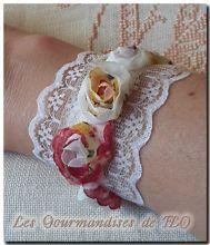 Bracelet roses et dentelle blanche