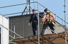 Tom Cruise Injured While Filming Stunt for 'Mission: Impossible 6' in London – See Pic  [ad_1]                                                  Tom Cruise has apparently been injured while performing a stunt on the set of Mission: Impossible 6 in London.                                                                                                                      ...
