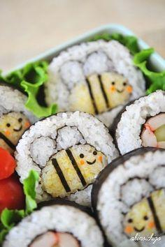 Wow, how creativehoneybee sushi roll. Wow, how creativehoneybee sushi roll. Wow, how creativehoneybee sushi roll. Cute Food, Good Food, Yummy Food, Bento Recipes, Cooking Recipes, Sushi Art, Sushi Food, Sushi Sushi, Food Humor