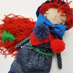 Just another magic day 🎄🎄🎄thinking of #xmas 🎄🎆 🎄✨ #clothdollartist #etsy #thedollsunique #etsy #clothdolls #dolls #christmasgift #perfectgift #dollmaker #handmadedoll #dollsofinstagram #unique #dolloftheday #redheadbeauty #redhair