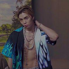 Nct 127 Johnny, Here's Johnny, Kpop Guys, My Favorite Music, K Idols, Jaehyun, Nct Dream, Worldwide Handsome, Boy Groups