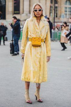 Street Style at the Paris Fashion Week Fall Winter Fashion Week Paris, Fashion Weeks, Fashion Outfits, Street Style Trends, Street Style Looks, Womens Fashion Online, Latest Fashion For Women, Fashion Women, High Fashion