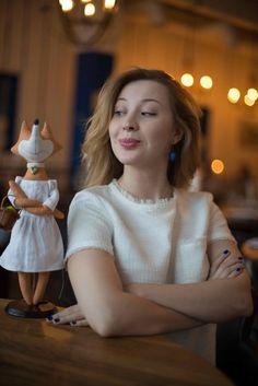 La petite Jane Austen / Маленькая Джейн Остин  Где как не в лесном поместье писать книги, пить чай и устраивать пикники?!  @vermeers_girl @mytealand