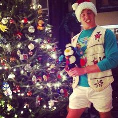 MERRY HALF-ISH-CHRISTMAS BROCHACHOS #ThrowbackThighsday