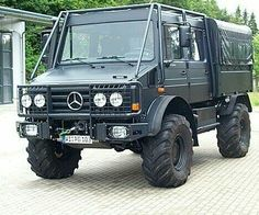 Unimog Mercedes Benz Unimog, Mercedes Benz Trucks, Unimog U5000, Truck Roof Rack, Extreme 4x4, Mercedez Benz, Bug Out Vehicle, Expedition Vehicle, Camping World