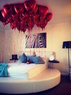 Plus Balloons Like This On Holidays Is So Romantic!