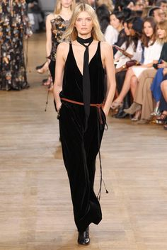 http://www.style.com/slideshows/fashion-shows/fall-2015-ready-to-wear/chloe/collection/42