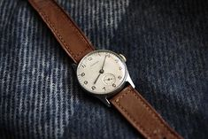 i want a brown leather watch. Simple Watches, Cool Watches, Watches For Men, Men's Watches, Luxury Watches, Vintage Watches Women, Watch Brands, Fashion Watches, Sneakers Fashion