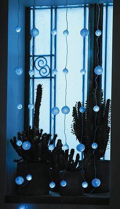 LED záclona - 1 x 1,5m - 36 bielych LED snehových gúľ