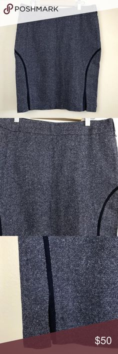 """Club Monaco Wool Fitted Skirt Club Monaco women's skirt in size 6.  Approximate Measurements Laying Flat  Waist- 14 7/8""""  Hips- 18 1/4""""  Length- 20 3/8"""" Club Monaco Skirts Pencil"""