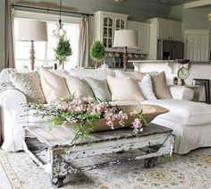 Cool 45 Wonderful French Country Living Room Decoration Ideas.