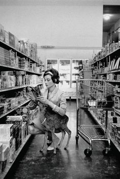 In 1958 while Audrey was shooting Green Masions, she connected with a fawn onset and made a real-life connection with the deer.  She named the deer Ip and took her everywhere.  They could be found walking the streets together, at parks, or even shopping.  Here's a shot of them in a grocery store together.