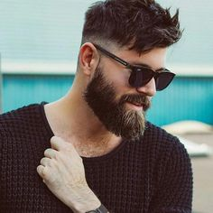 Best full beard styles for men. Know everything about growing full beards naturally, trimming and grooming tips, and more full grown beard inspirations! Beard Haircut, Fade Haircut, Men Haircut 2018, Haircut Style, Mens Hairstyles With Beard, Haircuts For Men, Pompadour Hairstyle For Men, Mens Wedding Hairstyles, Mens Straight Hairstyles