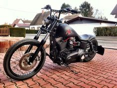 "Jorg's Harley Davidson Dyna with 6"" Zombi bars & Voodoo Fender | Rocket Bobs"
